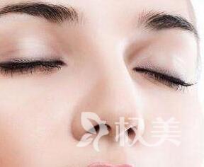 鼻子垫高哪种材料好 石家庄以岭整形医院硅胶垫鼻子价格