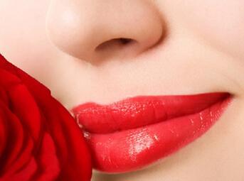 厚唇改薄术风险大吗 葫芦岛华美整形效果好吗