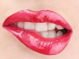 成都锦江极光口腔整形医院种植牙的种类与价格