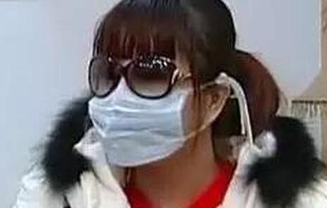 """网友""""红粉宝宝""""16岁开始整容 她的脸已经""""惨不忍睹"""""""