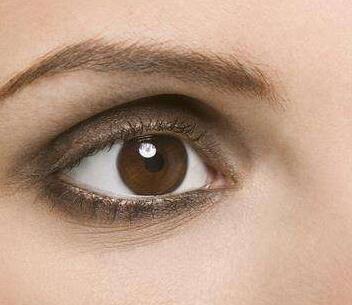 怎么去除眼袋黑眼圈 哈尔滨斯美诺整形医院激光去黑眼圈好不
