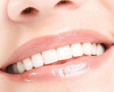 沈阳市口腔医院整形科地址 冷光牙齿美白价格