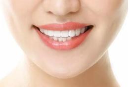 广东省口腔医院牙齿矫正多少钱 绽放自信笑容