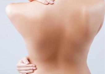 唐山青华皮肤医院整形科背部吸脂塑造背部曲线