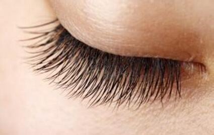 厦门哪家植发医院好  银河植发医院睫毛种植能保持多久