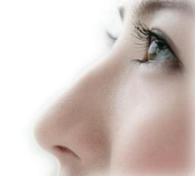 隆鼻假体取出来后能立即植入新假体吗 丽水美莱整形专家这样说
