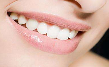 种植牙的效果维持多久 哈尔滨欧兰仁美医院美容科郑党峰种植牙做的如何
