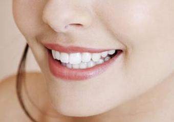 全瓷牙对牙齿有伤害吗 北京中诺口腔医院全瓷牙的优点