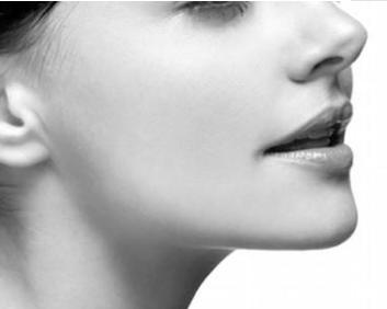 上海逆时针整形医院假体隆下巴有哪些优势 让你的脸更立体