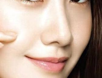 在武汉美之仁整形医院做了自体软骨隆鼻 原来我也可以这么美