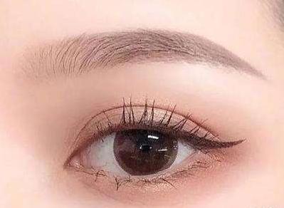 种睫毛的图片 哈尔滨美佳娜做睫毛种植效果自然吗