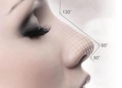 假体隆鼻后多久可以修复 北京隆鼻修复多少钱