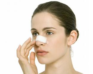 怎么避免隆鼻的危害 福州假体隆鼻多少钱