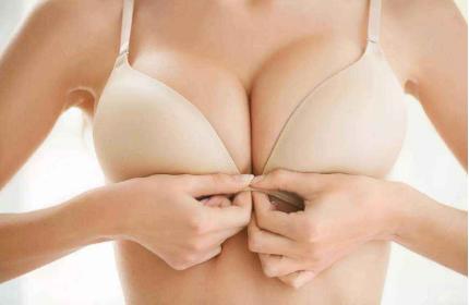 青岛时光整形医院曼托假体隆胸贵吗 隆胸效果可以以假乱真