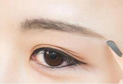 上海公立医院植发哪家好 眉毛种植有副作用吗