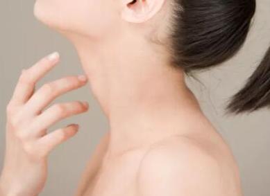 颈部去皱纹哪种方法好 遵义利美康整形医院做激光去颈纹怎么样