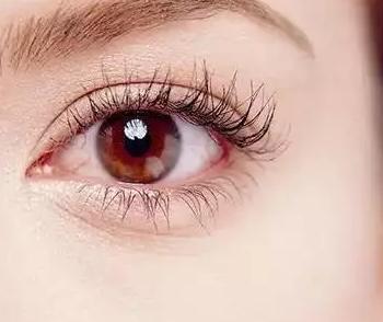 哪些人群不适合做切开双眼皮 广州割双眼皮价格是多少
