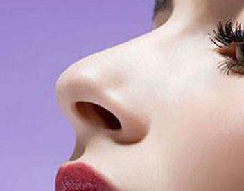 整容高鼻梁哪种方法好 西安碑林整形医院耳软骨垫鼻梁效果自然吗