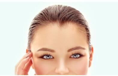 北京新面孔正规植发医院靠谱 美人尖种植的过程