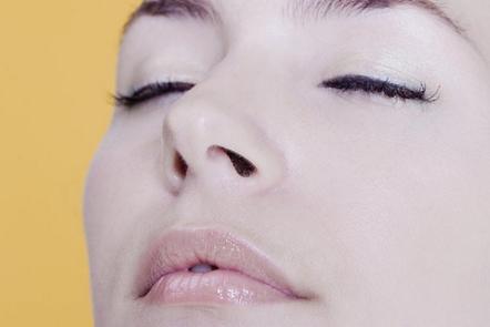 株洲周建屏整形医院假体隆鼻子整形的优势 隆鼻效果长久吗
