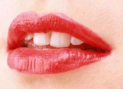 乐山经纬整形厚唇变薄多少钱 给你性感双唇