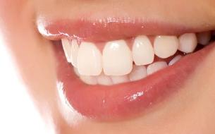 上海拜尔口腔整形科做烤瓷牙能使用多久 贵不贵