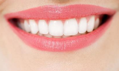 南昌爱思特口腔医院牙齿矫正 拯救你的牙齿 笑起来更甜
