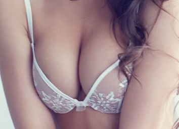哪些情况需要将隆胸假体取出 上海逆时针整形医院做隆胸修复好吗