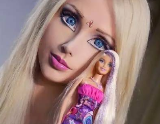 女子思念男友爱你就整成你的样子 花费68万元整成芭比娃娃