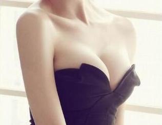 南宁美丽在造整形医院做胸部整形多少钱 乳房再造还原傲人双峰