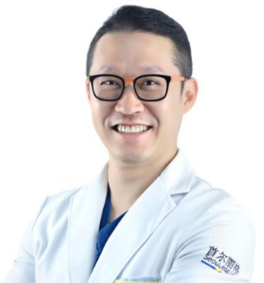崔荣达-是上海首尔丽格整形医院的下颌角整形主任吗