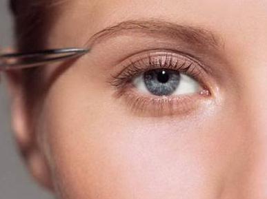 西安雍禾植发医院植发费用是多少 眉毛种植有风险吗