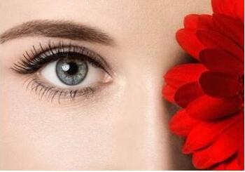 好的眼部整形专家割双眼皮多少钱 中山华美整形医院切双眼皮效果好吗