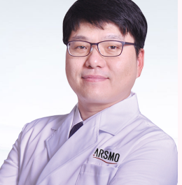 青岛华韩整形医院有韩式整形专家吗 自体软骨隆鼻多少钱