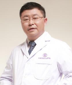 自体脂肪隆胸注射几次才行 四川华美紫馨医院宋晓东靠谱吗