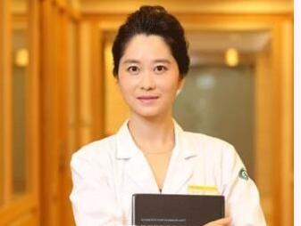 上海华美整形医院简介 杨亚益专家做双眼皮效果图