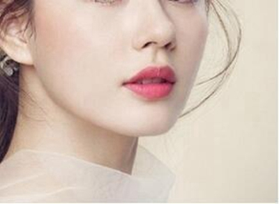 武汉艺星整形医院:想要美丽侧颜杀--精致下巴是关键