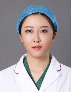 郑州悦美整形医院刘海燕专家做假体隆鼻 您的贴心之