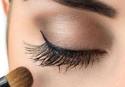 昆明新生植发贵不贵 睫毛种植需要多少钱