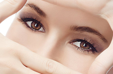 双眼皮修复好专家 郑州美眼整形医院田国静眼部整形技术好