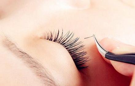 睫毛种植需要多少钱 广州广大亿美 45°翘睫毛种植技术