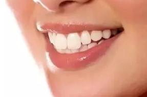 太原星范医疗美容整形医院限时特惠 张清华烤瓷牙手法精细