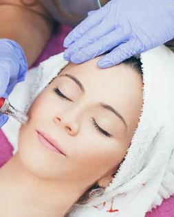 长沙面部除皱专家 雅美医疗美容医院曾多经验丰富 年轻貌美
