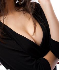 深圳隆胸专家排名 阳光整形医院陈星光医术高超 罩杯直升