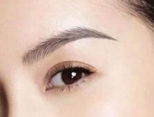 上海申江医院路易丝植发专家米全印 做眉毛种植终身有效吗