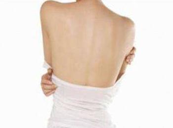背部吸脂后可以躺着睡觉吗 广州荔医整形医院展现美背