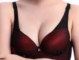 深圳做假体隆胸疤痕明显吗 深圳富华整形唐新辉隆胸怎么样