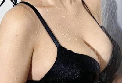 北京隆胸医生哪个好 艾玛整形李方奇自体脂肪丰胸安全效果好