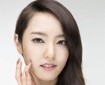 北京联合丽格激光美容哪位专家好 李晓宁美容仪操作手法娴熟