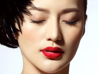 玻尿酸隆下巴后可以洗脸吗 北京圣嘉新整形带您一起见证美丽
